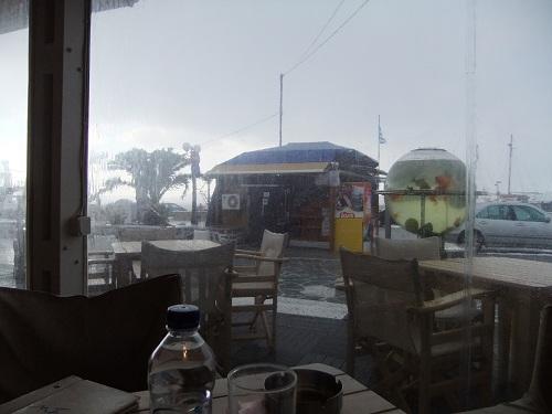 ミロス_外は嵐
