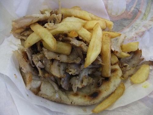 テサロニキ_バス・ターミナルで食べたギロ