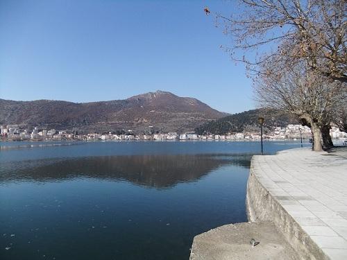 カストリア_湖沿い (3)