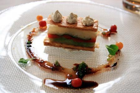 新鮮春野菜5種のミルフィーユ仕立て  仏産マスタードのシャンティ添え