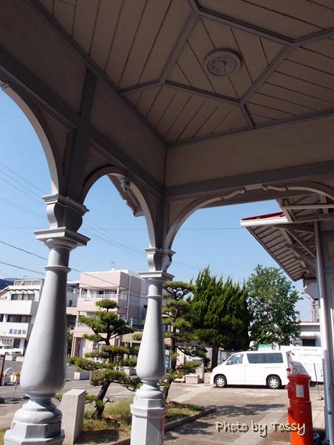 ファサードの柱