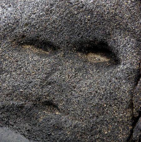 060115岩の精
