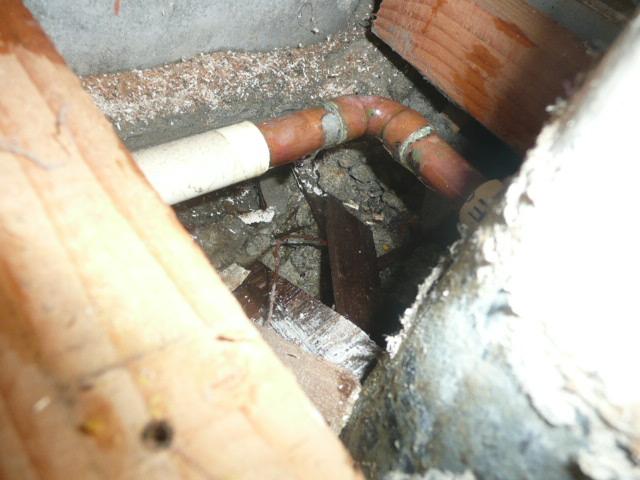 銅管からの漏れ