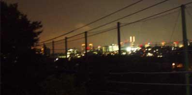 アトリエの夜景