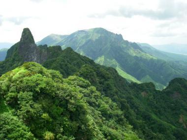 080814根子岳東峰から高岳