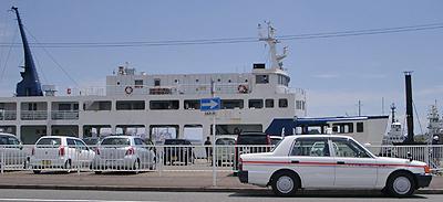 フェリーの入港