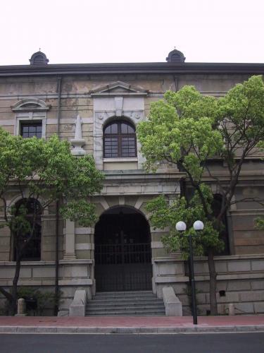 旧兵庫県庁西玄関