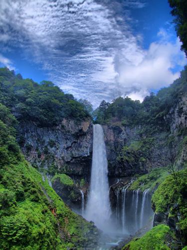 華厳の滝-HDR
