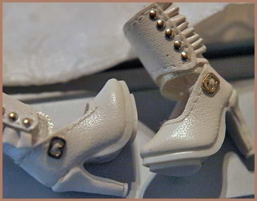 Vshoes2.jpg