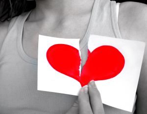http://blog-imgs-26.fc2.com/k/o/s/kosstyle/broken_heart.jpg