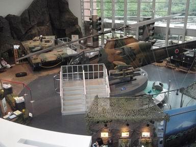 ヘリと戦車
