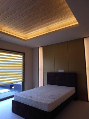 ヨー邸寝室1