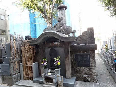 新吉原総霊塔2