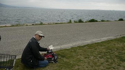 琵琶湖畔で計測しています