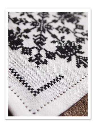 110421(布もの)刺繍ドイリー2