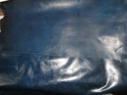 青い革 004