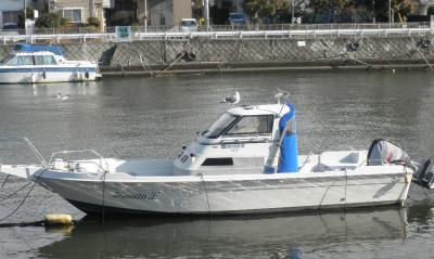 2012.02.14   川沿いのボート
