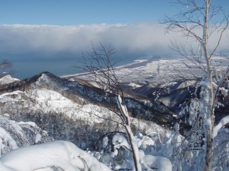 山頂から石狩湾を望む