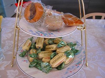 イタリア土産のヌガー。マカロン。クッキー♪