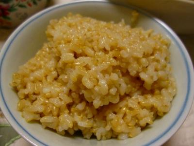 玄米食べてます。