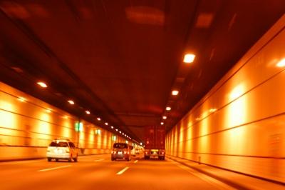 羽田周辺のトンネルでカメラの練習。