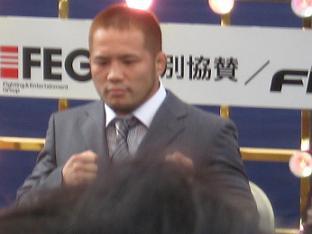 Dynamite記者会見 007
