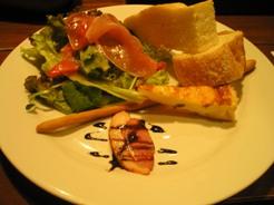 ガルゴッタ 前菜、パン、サラダ