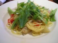 ラ・クチーナ パスタ アサリと水菜とジャガイモのアンチョビ風味