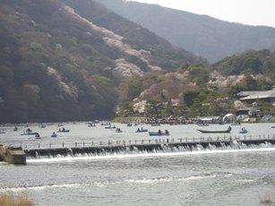 嵐山の桂川付近