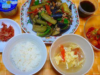 夏野菜とひき肉のピリ辛炒め