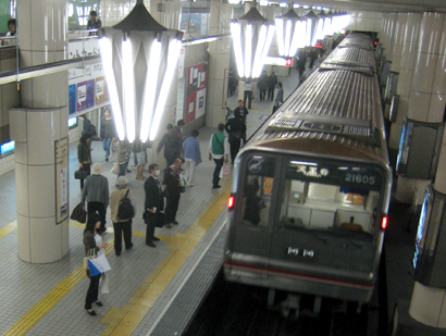地下鉄照明01