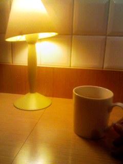黄色いスタンドカフェ