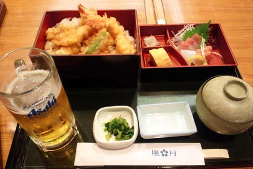 福岡空港で夕食