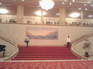 090528_00004宝塚大劇場・ロビー正面大階段