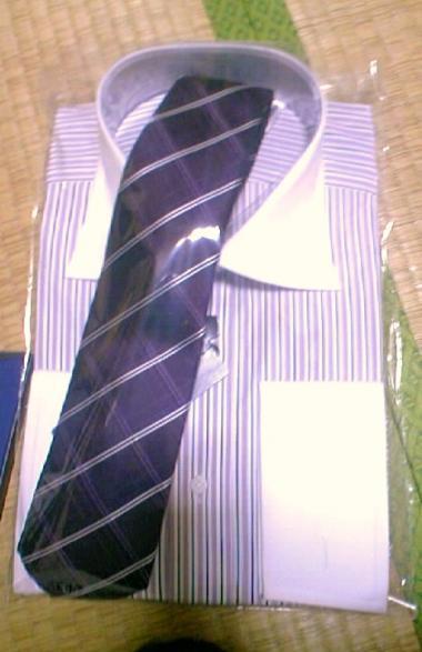 ネクタイとワイシャツ