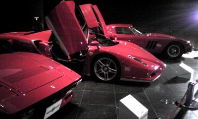 真っ赤なフェラーリ