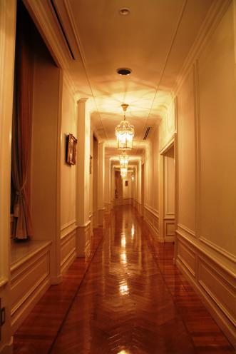 廊下一直線