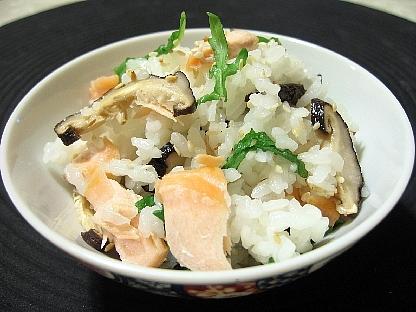 鮭と焼椎茸の混ぜご飯