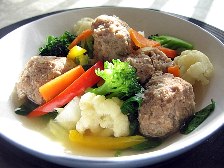 牛肉団子と野菜の中華風煮込み