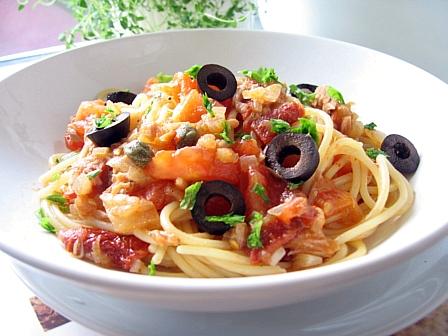 ダブルトマトでスパゲティプッタネスカ