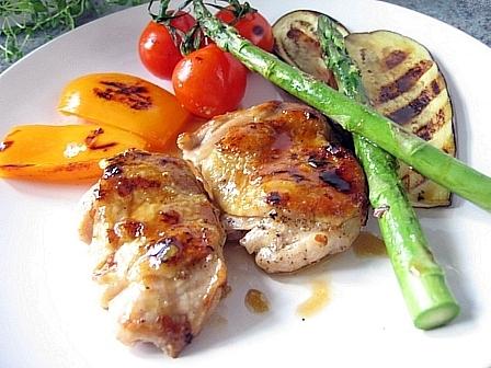 鶏と野菜のグリルニンニクバター醤油ソース
