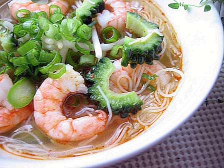 ゴーヤートムヤム麺