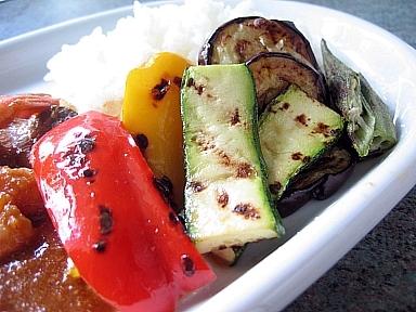 エビとグリル野菜のカレー3
