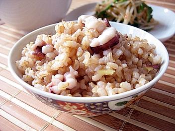 玄米イイダコ飯