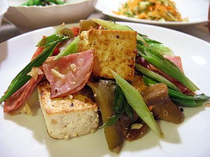 豆腐とハムのザーサイ炒め