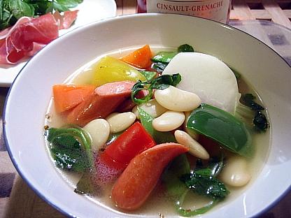 花隠元豆と野菜とソーセージのスープ煮