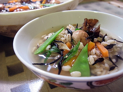 ひじきと茸の丸麦雑炊