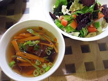 野菜スープ&わかめサラダ