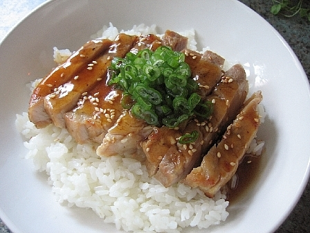 中華風豚丼