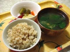 丸麦・味噌汁・漬物